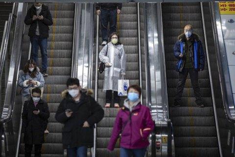 На борту японського лайнера у 44 американців виявили коронавірус