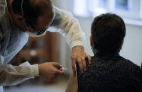 Друга людина в Україні завершила вакцинацію від коронавірусу