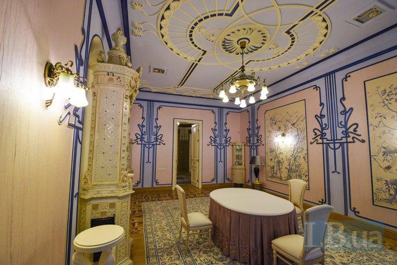 Приватна кімната