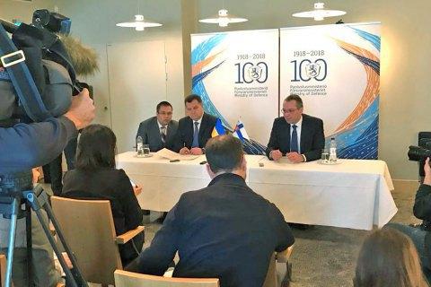 Полторак обговорив можливість залучення Сил оборони Фінляндії до місії ООН на Донбасі