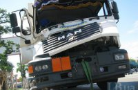 ДТП в Киеве: два грузовика столкнулись по вине пешехода