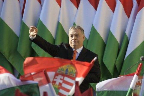 Премьер Венгрии невидит дружбы сУкраиной довыборов