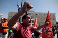 У Греції працівники суднобудівельної компанії штурмували будівлю Міноборони