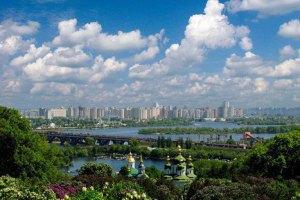 У понеділок у Києві до +28 градусів