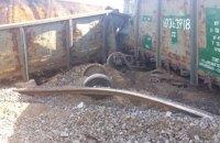Грузовой поезд сошел с рельсов в Днепре из-за кражи болтов и креплений железной дороги