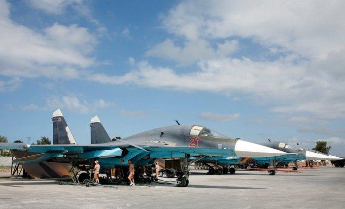 Российская военная авиация на базе Хмейим в провинции Латакия, Сирия
