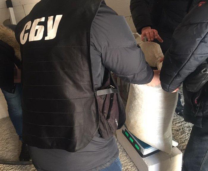 СБУ вилучила 3 тонни бурштину наЖитомирщині