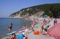 СЭС уверяет, что массового отравления на севастопольском пляже не было