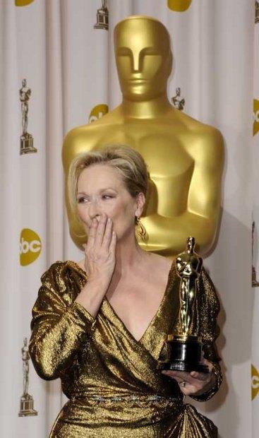 Победительница в номинации «Главная женская роль» Мэрил Стрип («Железная леди»)