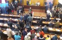 В мэрии Конотопа подрались сторонники и оппоненты мэра: 46 задержанных, 9 пострадавших (обновлено)