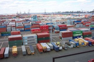 """Торговый """"минус"""" Украины вырос до $8,7 млрд"""