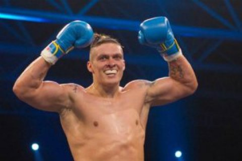Усик стал чемпионом мира по боксу