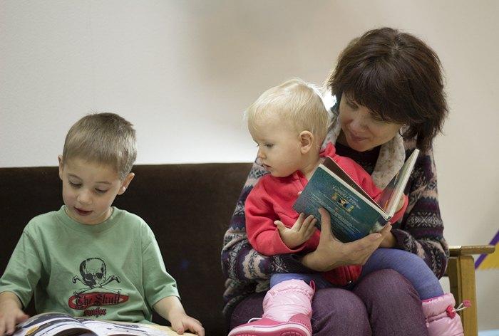Читання під час Родинної суботи БараБуки.