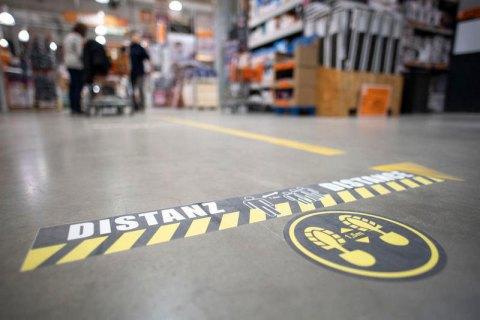 В двух округах на западе Германии ужесточили карантин из-за вспышки коронавируса на скотобойне