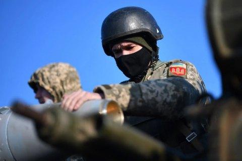 На Донбасі двоє військових отримали поранення, один – бойове травмування