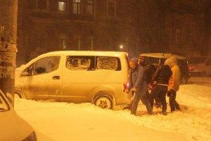 Рятувальники ДСНС витягли зі снігу понад 6 тис. автомобілів