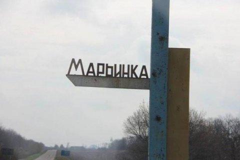 Двое гражданских ранены при обстреле боевиками Марьинки