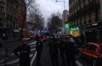 Раненная сегодня в Париже женщина-полицейский скончалась, - СМИ
