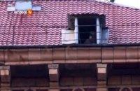 На крыши домов по улице Грушевского посадили снайперов?