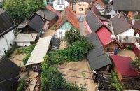 В Рахове на Закарпатье затопило улицы из-за сильного ливня