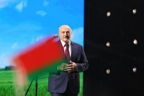 Лукашенко отказался вести диалог с протестующими