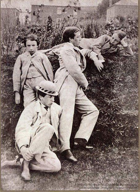 В 1858 г. Л. Кэрролла на которой он запечатлил своих одноклассников