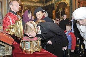 Афонські мощі привезуть до Києва за підтримки Януковича?