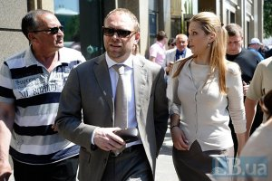 Власенкові запропонували почекати, поки від Тимошенко піде Кокс