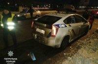 В Киеве мужчина напал на патрульных, отобрав у одного из них кобуру с пистолетом