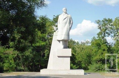 В Одесі знесли останній у місті пам'ятник Леніну
