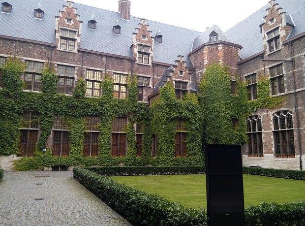 Університет Антверпена