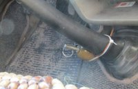 """Жителю Бердичева установили """"растяжку"""" с гранатой в микроавтобус"""