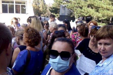 Через нові викиди школярам з Армянська продовжили канікули