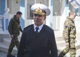 Командувача ВМС України вивели зі штабу в Севастополі