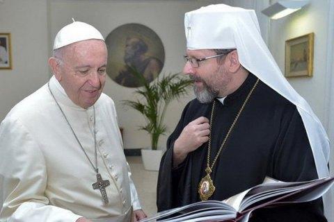 На канонизации Иоанна Павла II развевался бело-красно-белый флаг