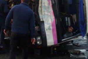 Под Одессой иномарка вылетела на встречную полосу и перевернула автобус