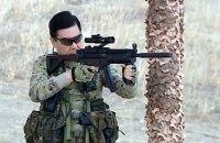 Президент Туркменистана показал силовикам, как правильно обращаться с оружием