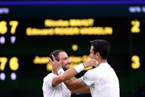 В финале Уимблдона теннисисту жестко попали мячом в пах