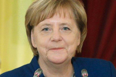 Меркель привітала Зеленського з перемогою на виборах і запросила до Берліна
