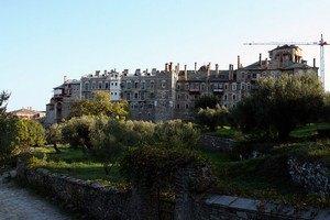 На Афоні обговорюють проблему оподаткування монастирів