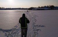 На Житомирщині потонув чоловік, який хотів перейти замерзлий ставок