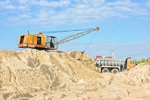Кримська влада запевнила, що видобуток піску не може спровокувати зсувів узбережжя