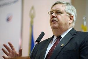 Посол США добивается встречи с Луценко