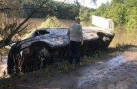 В Винницкой области в реку упал автомобиль с химикатами, в Белой Церкви перекрывают водоснабжение