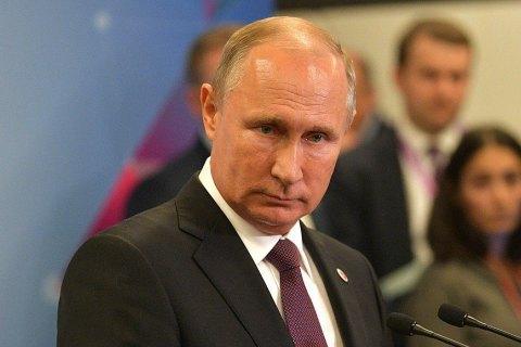 """Путін пояснив відмову приймати дзвінки Порошенка небажанням брати участь у """"виборчій кампанії"""""""