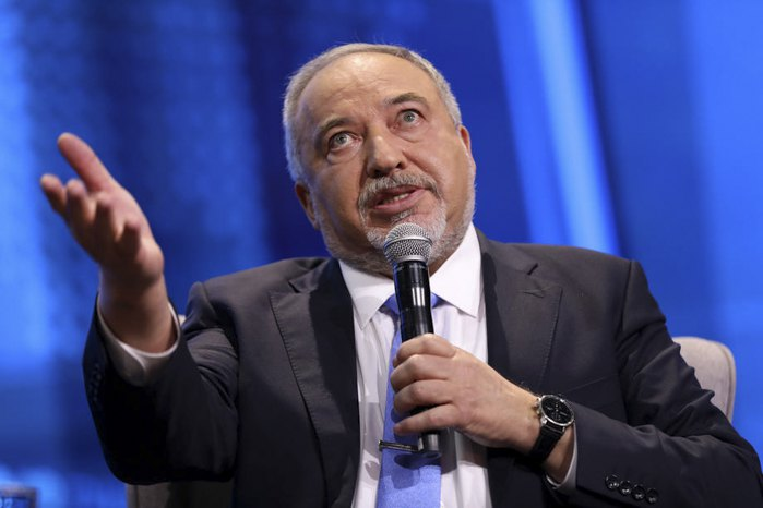Лидер политической партии «Наш дом Израиль» и бывший министр обороны Авигдор Либерман во время конференции Тель-Авиве, 5 сентября 2019 года.