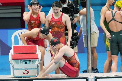 Серпень, 01 в 15:54 Білоруську легкоатлетку насильно вивозять з Токіо. Вона просить притулку у Європі