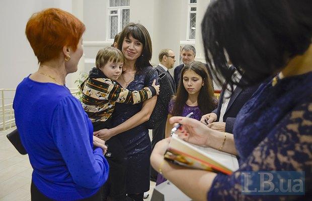 Мама Сони Кошкиной, Татьяна Чорновол с детьми, Соня Кошкина