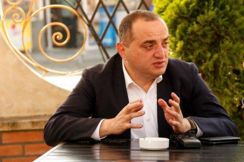 Гроші на забезпечення мітингів під ВР в Україні завіз соратник Саакашвілі, - джерело
