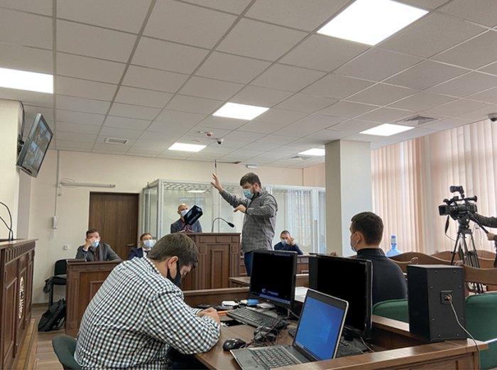 Засідання 22.09.2021 р. Свідок Тимур Бедернічек відповідає на питання захисту.